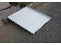 Lightweight Roll Up Portable Aluminium Ramp can deliver locally