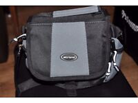 camera bag will fit nikon d50/60/70/80/90 and lens or canon dslr and standard lens