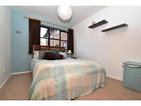 One Double Bedroom to Share at 2 Bedroom Flat, Dartford