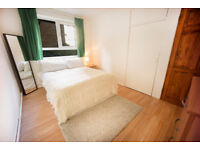 Spacious room in a flat share of 5