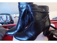 Ladies black ankle boots size 6