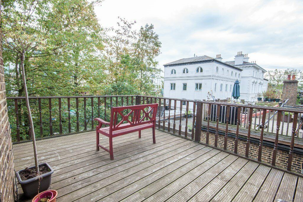 An amazing one bedroom flat with beautiful terrace overlooking the canal - Great Price £310 per week