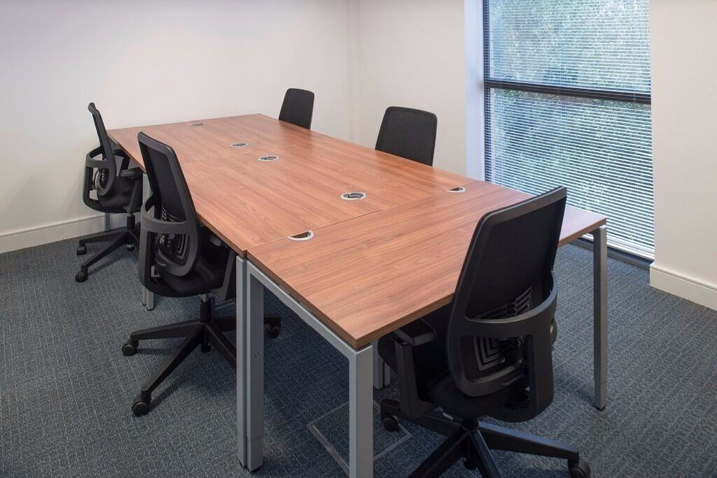 Professional 10 person serviced office available now in High