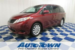 2011 Toyota Sienna LE/ALL WHEEL DRIVES/LOW KM/USB OUTLET
