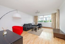 A spacious three bedroom duplex apartment near Notting Hill and Hyde Park