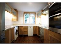 3 Bed Flat - West Hampstead - Ideal for Family - Garden - Built in Storage - Available in March