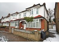 5 Double Bedroom House-Ideal Location-Wandsworth Council- 5 min walk to Clapham South Tube Station