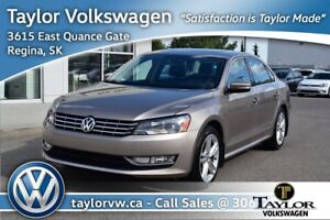 2015 Volkswagen Passat Highline 1.8T 6sp at w/ Tip Local Trade w