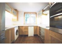 3 Bed Flat to Rent in Kilburn - Ideal for Family - Ground Floor - Near Stations & Amenities - Garden