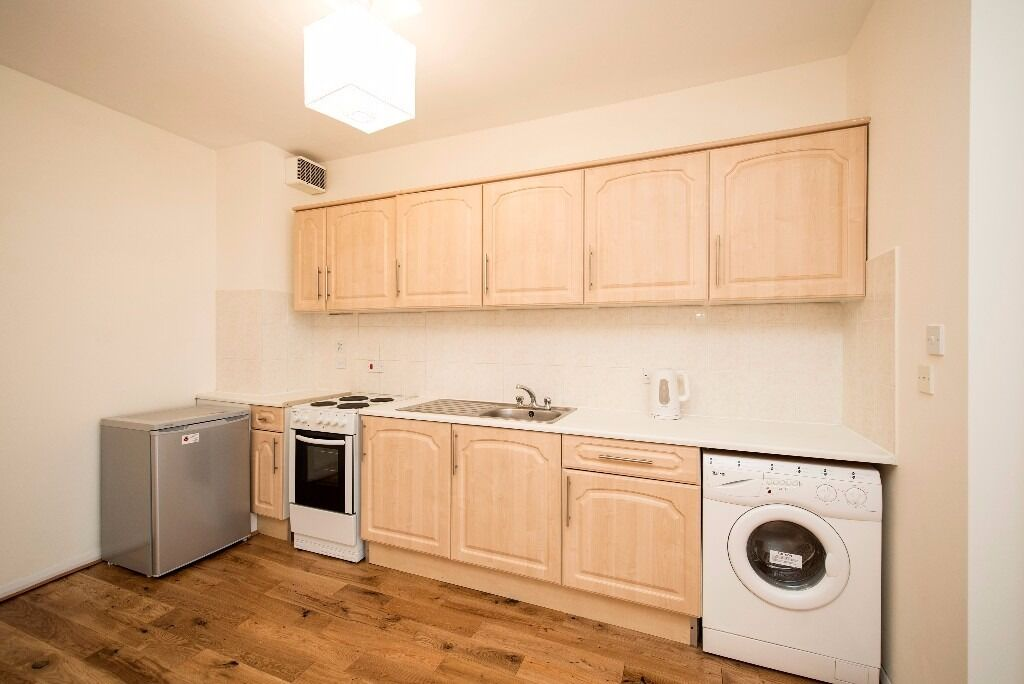 80sq meters 2 beds HOUSE, maisonette with wooden flooring in HAGGERSTON- HOXTON available now ! flat