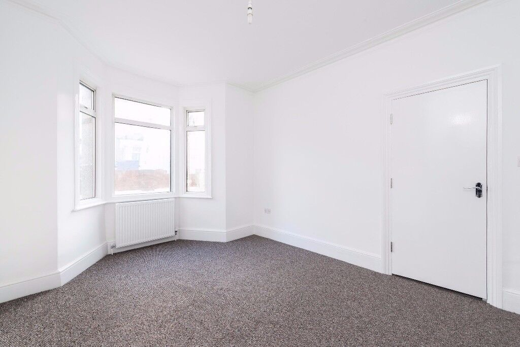 Abery Street - 3 bedroom house newly refurbished available now
