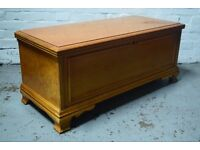 solid wood blanket box (DELIVERY AVAILABLE)