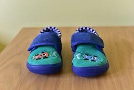 Clarks Cuba Pace Infant Boy's Slippers - SIZE 4.5 G