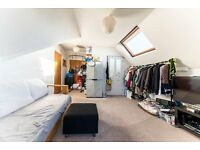 a beautiful top floor one bed, moments away from West Hampstead tube call 07811675542