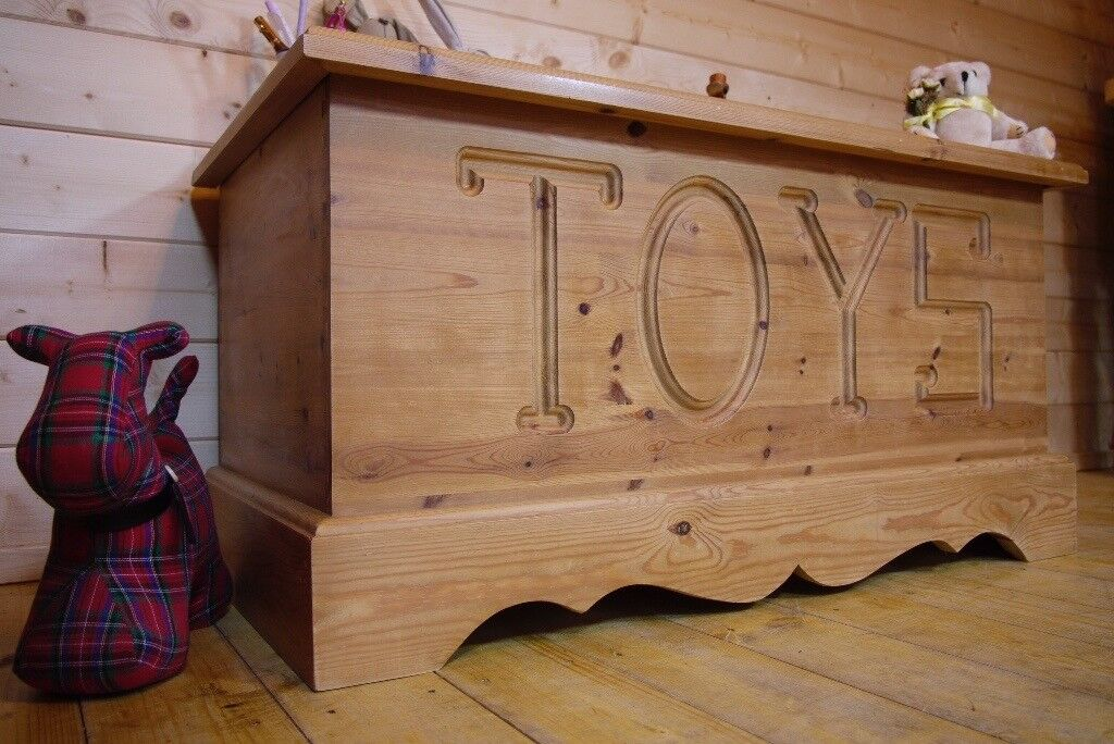 Farmhouse Rustic Solid Waxed Pine Wood Storage Toy Box Chest Trunk