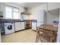 *DSS* SPACIOUS 3 BED AVAILABLE TO RENT IN E1 Brick Lane