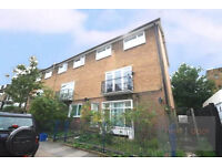 NO AGENCY FEES - Lovely 4 bed apartment in Camberwell SE5 with communal garden