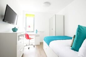 STUDENT ROOM TO SHARE IN SALFORD. PRIVATE ROOM WITH PRIVATE BATHROOM AND SHARED KITCHEN
