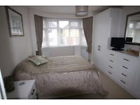 MONDAY TO FRIDAY ONLY Double bedroom with en-suite