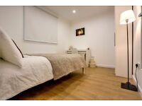 Newly refurbished three bedroom flat just off Long Lane!