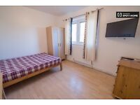 Spacious doble and twin rooms to rent in nice flat to share in southfields