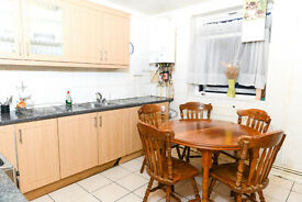 SPACIOUS 5 BED FLAT TO RENT IN WHITECHAPEL - NEAR SHADWELL AND TOWER HILL STATIONS