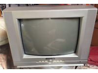 Small tv full working order FREE TO COLLECT!