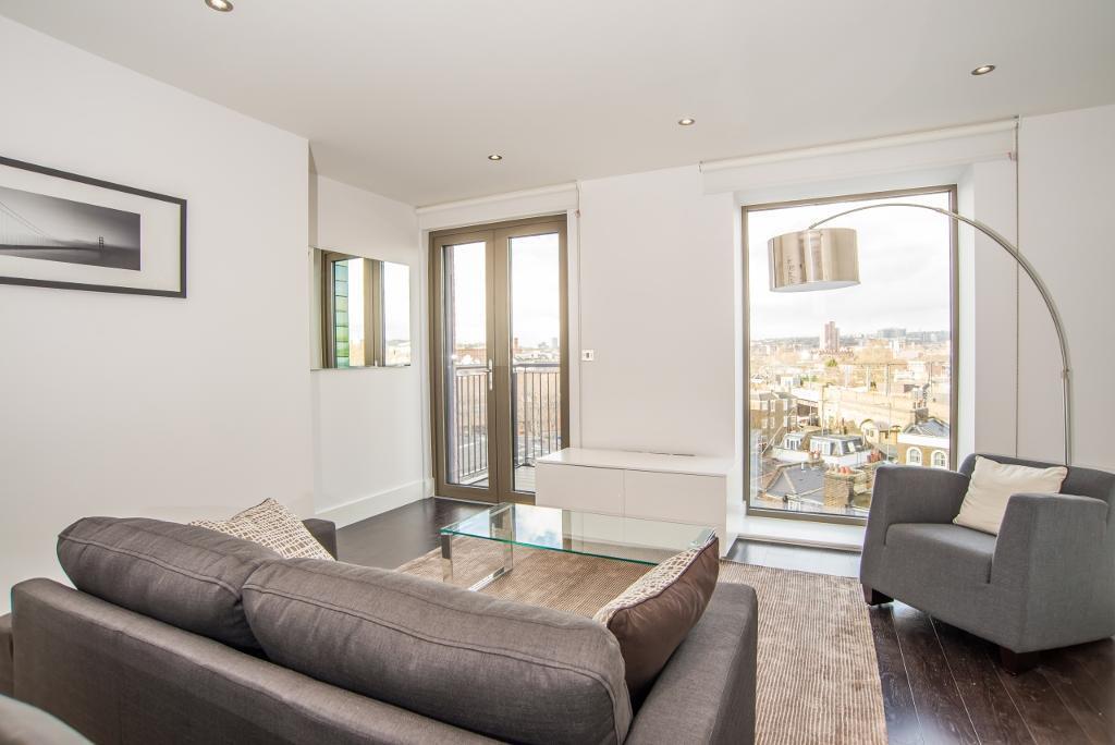2 bedroom flat in Regent Canalside, Camden Road, Camden Town NW1