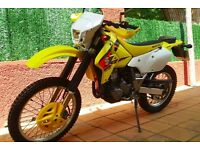 SUZUKI DRZ 400cc SK5 MOTORCYCLE FOR SALE, LOW MILEAGE AND IN EXCELLENT CONDITION - OFFERS INVITED