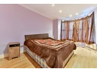 Stunning 3 bedroom Flat with Driveway & Private Garden to Rent( Norfolk Road , Ilford , IG3)