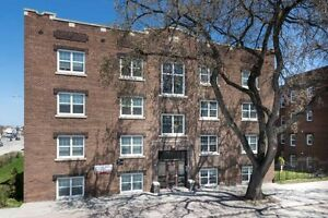 Cathedral Court B,1 Bedroom Apartment,Available June 1,$745