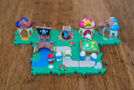 Smurf village building set with characters