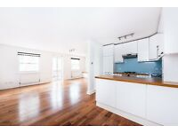 Beautiful, unfurnished 4 bedrooms Mews House in Lancaster gate.
