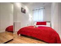 Double rroom overlooking Kennington Park, right by Oval tube.
