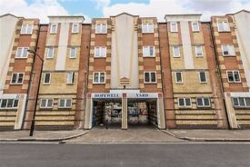 ** THREE BEDROOM AVAILABLE IN CAMBERWELL EARLY DECEMBER **