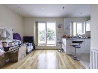 Newly refurbished 3 bed apartment in west hampstead large private patio garden
