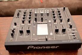 Pioneer DJM 2000 Nexus DJ Mixer