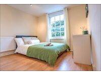 Spacious Double room available just minutes from Kennington tube station.