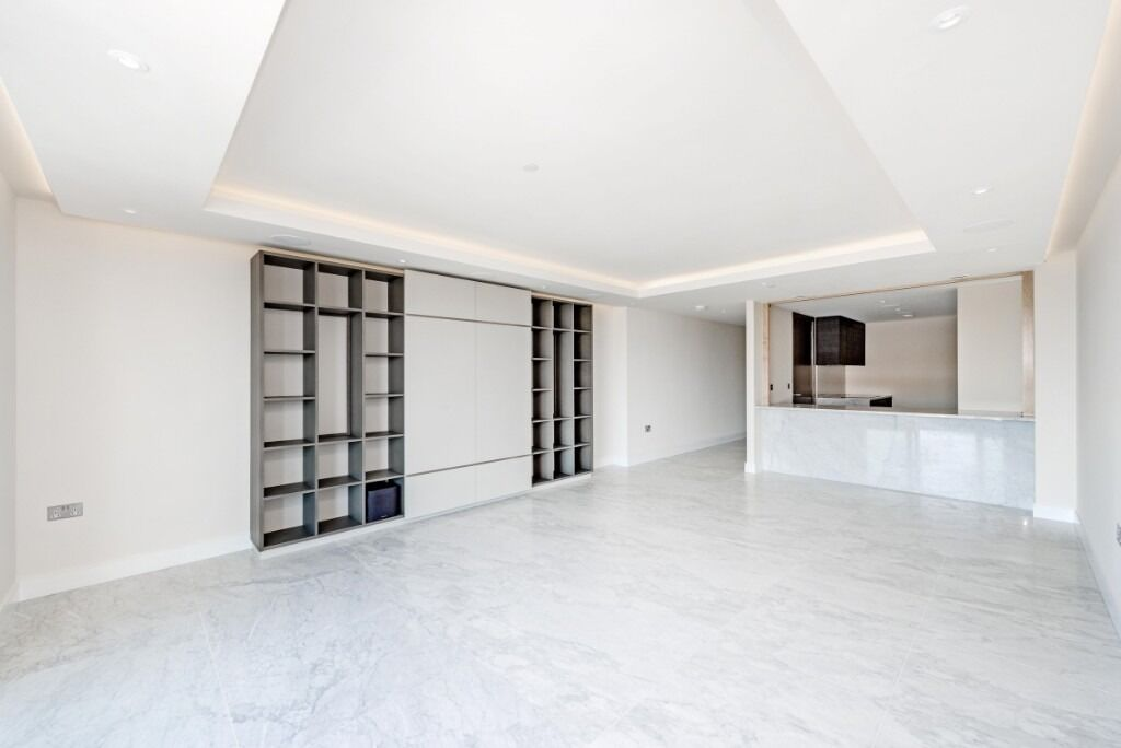 A spectacular two double bedroom, two bathroom apartment, Park Street, SW6