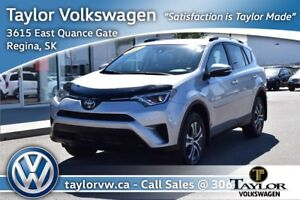 2017 Toyota RAV4 AWD LE Like New with Back Up Camera and Bluetoo