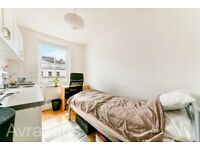 Top floor single bedsit studio with shared bathroom and roof terrace close to Earls court/Kensington