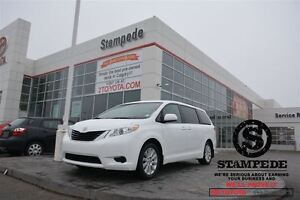 2014 Toyota Sienna LE AWD- ALL WHEEL DRIVE!!!  TOYOTA CERTIFIED!