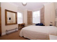 Exceptional! A large serviced ensuite room in St Johns,Worcester in very convenient location