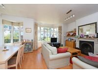 Call Brinkley's today to view this spacious, first floor, flat. BRN1000926