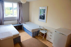 Fantastic double - twin bedroom in Docklands, canary wharf. Available now. 2 weeks deposit only.