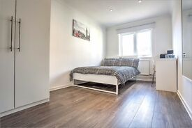 Brilliant room in a 5 bed flat just off Tower Bridge Road!