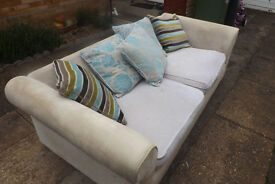 7and half ft sofa in good condition