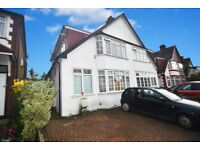 SUPERB WELL PRESENTED 2 BED 1ST FLOOR MAISONETTE, SHARE OF FREEHOLD, OFF STREET PARKING (10958)