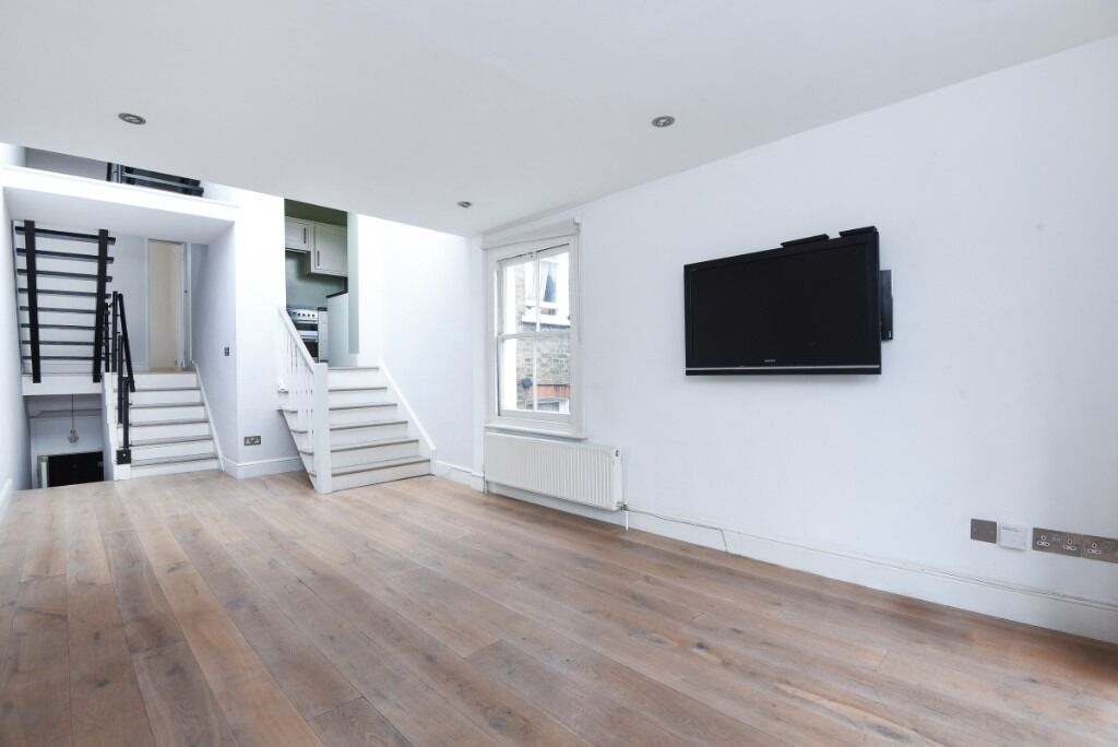 A charming three double bedroom, two bathroom Victorian conversion flat, Hartismere Road, SW6