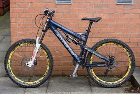 Intense Uzzi VPX 2008 Medium Downhill Freeride MTB Mountain Bike